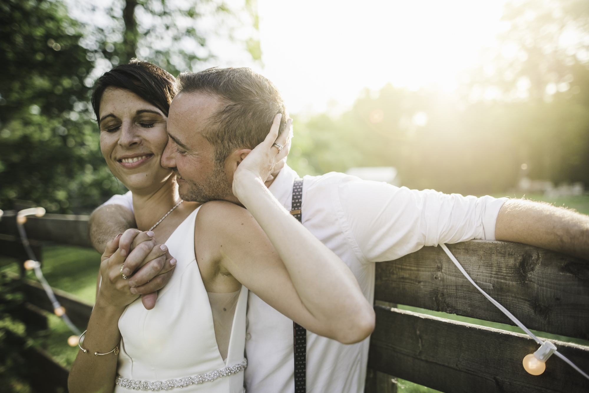 beau soleil sur les mariés